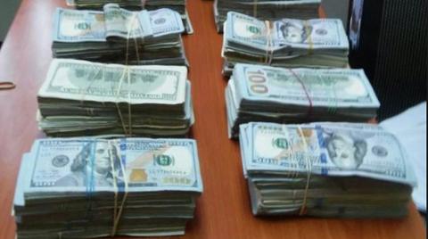 Arrestan-en-la-frontera-a-pareja-con-1-millon-de-dolares