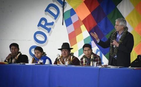 Garcia-Linera-llama--cobardes-y-limosneros--a-opositores