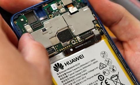 Trump-retira-el-veto-a-Huawei-tras-negociar-con-China