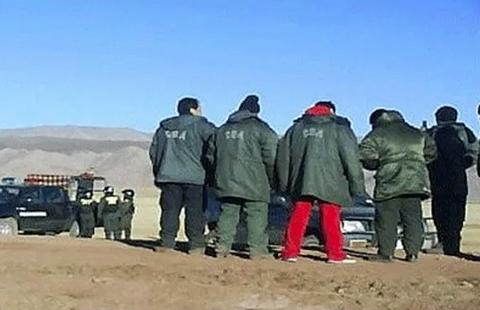 Contrabandistas-emboscan-a-militares-y-queman-tres-vehiculos