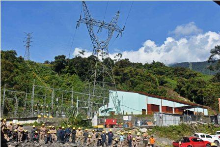 Hidroelectrica,-denuncian-irregularidades