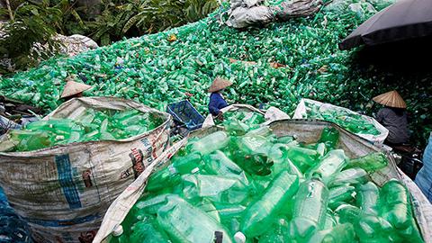 Desarrollan método que convierte cualquier plástico no reciclable en energía
