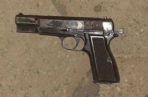Alumno-de-secundaria-lleva-arma-de-fuego-a-clases