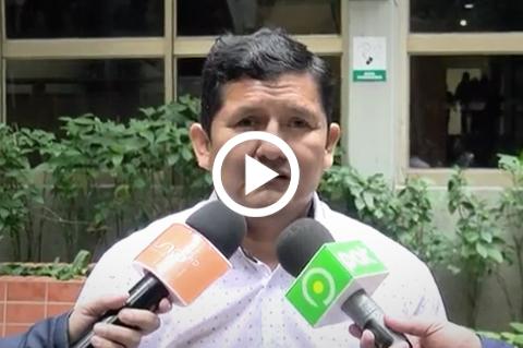 Asambleista-del-MAS-comete-un--blooper--en-plena-entrevista