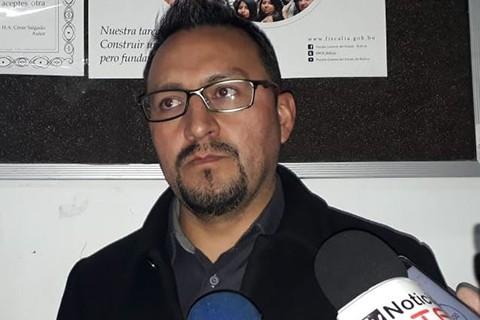 Fiscalia-presenta-imputacion-contra-la-esposa-del-concejal-Sinani