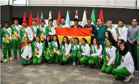 Llega-a-Lima-el-primer-grupo-de-bolivianos-