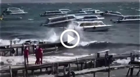 Suspenden-uso-de-lanchas-en-Tiquina-y-Copacabana-por-fuertes-vientos