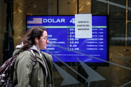 Las-dudas-politicas-derrumban-el-peso-argentino