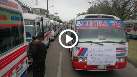 El-Sindicato-de-Transportistas-marcha-contra-Ley-de-Movilidad-Urbana