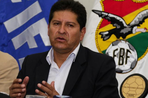 Contrato-de-Villegas-aun-no-rescindio,-pide-reunirse-con-Salinas