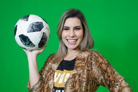 Enrique-y-Carolina-demuestran-que-saben--de-futbol