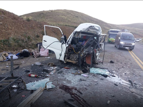 Al-menos-14-fallecidos-en-accidente-de-transito
