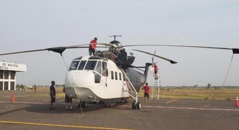 Dos-helicopteros-Sikorsky-arribaron-a-Santa-Cruz-para-sofocar-los-incendios