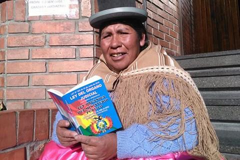 Juana-Yana,-una-faceta-de-voluntad-se-pone-a-derecho-entre-el-aimara-y-el-latin