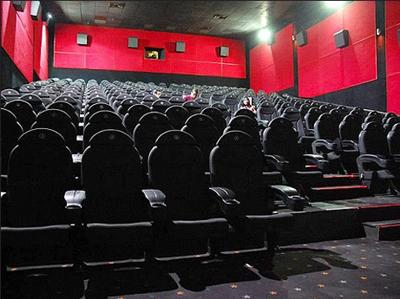 Cine-Center-presenta-su-nueva-campana-el-agrandado-de-tu-combo-3-familiar