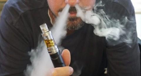 Gobierno-indio-anuncia-prohibicion-de-cigarros-electronicos