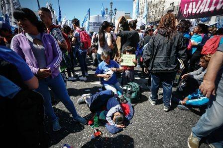 Crisis-argentina,-rige-nuevo-aumento-en-combustibles