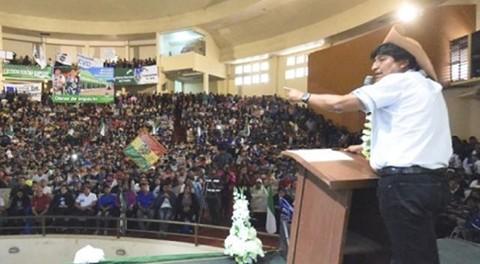 Morales:-La-juventud-es-protagonista-de-transformaciones-en-el-pais