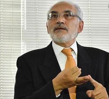 Analista-culpa-a-Mesa-por-perder-la-oportunidad-de-sacar-a-Evo-Morales