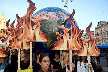 Defensa-del-clima,-miles-de-jovenes-paran-el-mundo