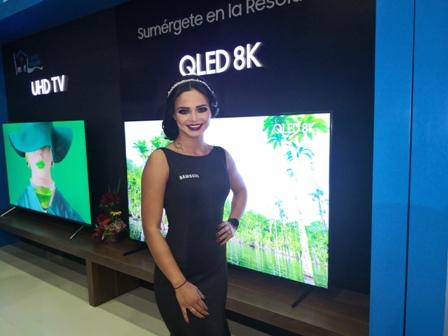 En-el-marco-de-la-Fexpocruz-2019,-Samsung-presenta-su-tv-8K-con-conectividad-5G