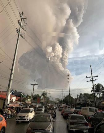 Una-erupcion-desata-alerta-en-Filipinas