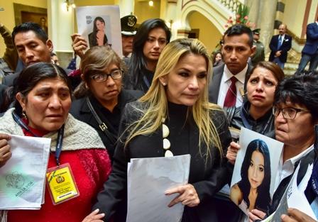 Ano-de-lucha-contra-el-feminicidio,-la-presidenta-declara-la-alerta-contra-este-flagelo-este-2020