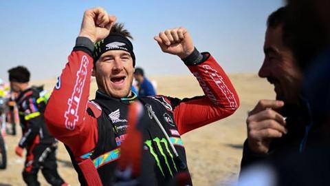 Ricky-Brabec-gana-el-Dakar-en-motos