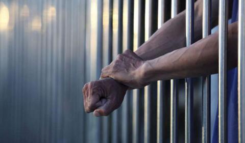 Dan 25 años de cárcel a sujeto que violó y embarazó a una adolescente