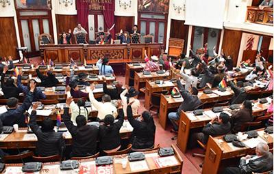 Diputados piden retiro inmediato de militares de las ciudades y el campo