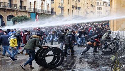 Protestas en el Líbano deja al menos 160 heridos por choques con la Policía
