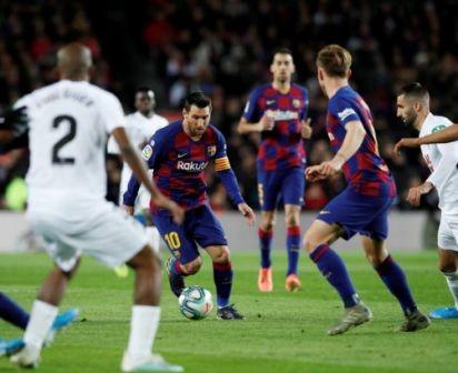Lionel-Messi-Salva-a-Barcelona