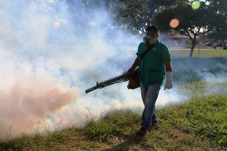 Refuerzan-fumigacion-contra-el-mosquito-del-dengue