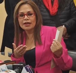 Lizárraga pide a Áñez que no se deje utilizar por 'oportunistas'
