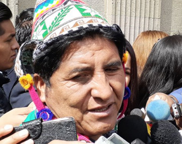 Viceministro de Descolonización pide que vocales renuncien