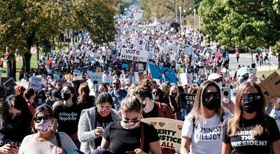 Miles de mujeres protestan contra Trump en Estados Unidos