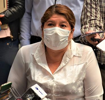 Bancada del MAS analiza la destitución de la gobernadora de Cochabamba