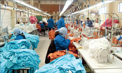 Industriales se comprometen a invertir en Bolivia para superar crisis económica