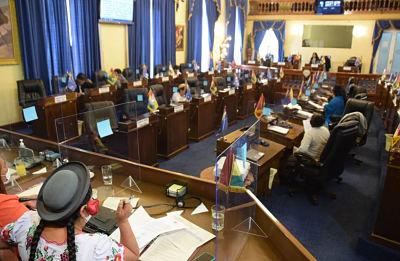 Ministro Núñez califica de abusiva la modificación del reglamento en el Legislativo