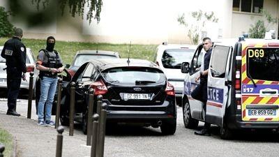 Un-sacerdote-fue-herido-de-bala-cerca-de-una-iglesia-ortodoxa-en-Lyon