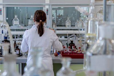 Científicos rediseñan células inmunitarias en ratones en un importante avance hacia una vacuna contra el VIH