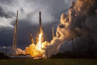 Space X lanza al espacio un satélite de última generación de la NASA y la ESA