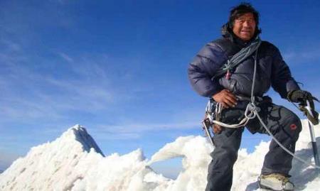 Ni-el-Everest-se-salva-de-la-contaminacion