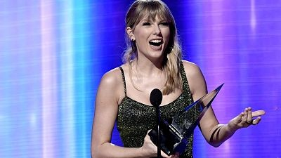 Taylor-Swift-se-consagro-artista-del-ano-en-los-American-Music-Awards-2020