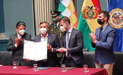 Bolivia-y-expertos-independientes-enviados-por-la-CIDH-firman-protocolo-para-iniciar-investigaciones-sobre-la-violencia-de-2019