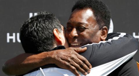 -Un-dia-jugaremos-juntos-en-el-cielo-:-Pele-lamenta-la-muerte-de-Maradona