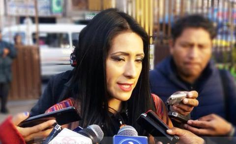 Wilma-Alanoca-dice-que-se-dedicara-a-la-formacion-politica-dentro-el-MAS