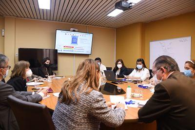 Ministro de Salud realiza 'contactos fructíferos' para proveer a Bolivia de vacunas contra la covid-19
