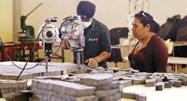 Gobernación de Tarija presenta el 'Programa de Empleo Productivo' en Yacuiba