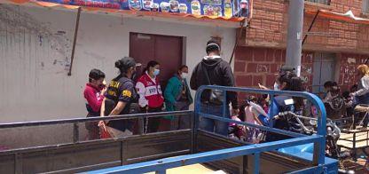 Policía aprehende a 16 extranjeros indocumentados en la zona fronteriza con el Perú